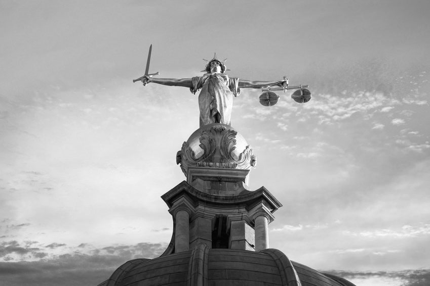"""Holding the ring"" – arbitration and English courts"